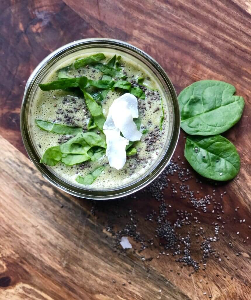 Green Smoothie with Matcha and Chia