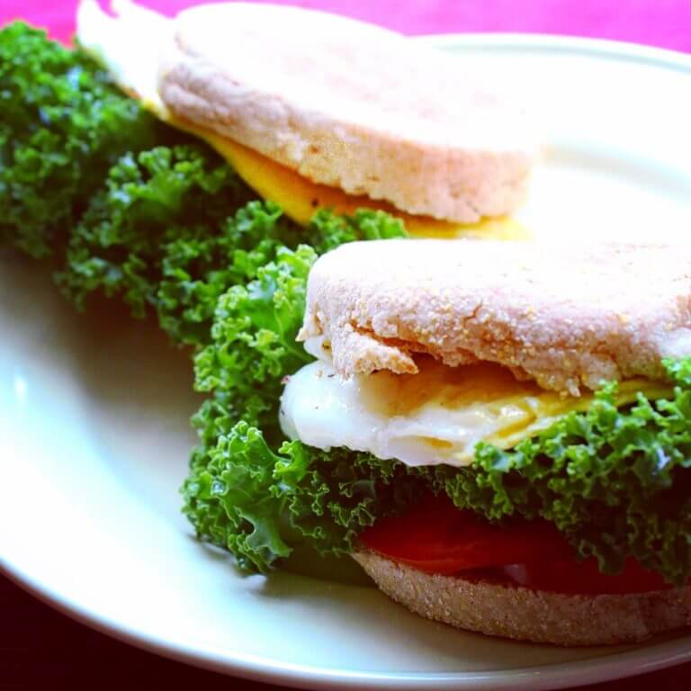 Simple Vegetarian Egg and Veggie Breakfast Sandwich